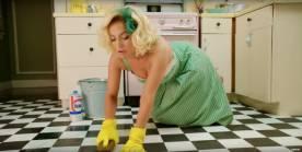 mujer sumisa casa